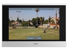 Immagine posto interno Ip Video Intercom Data Lab DIVIC313S durante la visualizzazione delle immagini riprese dalle telecamere di videosorveglianza installate